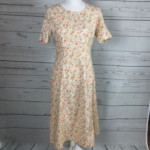 Article Dress, Mennonite Clothes, EUC